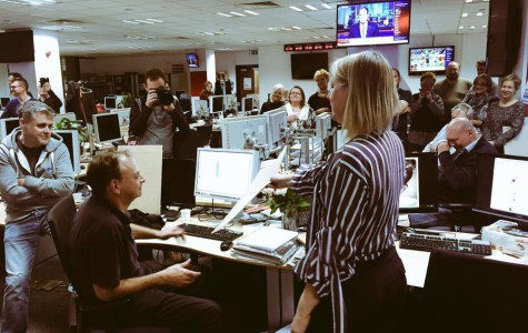 Editor Lisa Markwell and the staff of the Independent on Sunday see the final edition off stone on 19 March 2016